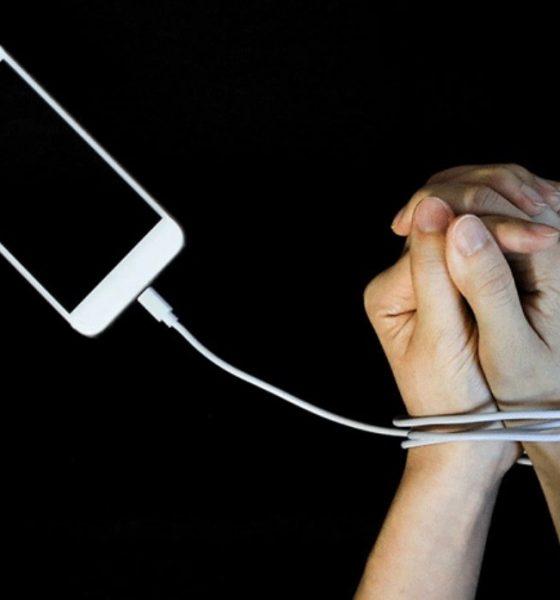 نشانه های اعتیاد به گوشیهای هوشمند و راه حل آن   مجله اینترنتی Digi2030